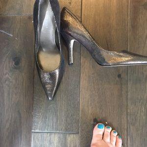 Nine West size 7 heeled shoe